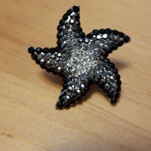 Gradiant black & silver starfish bling ring